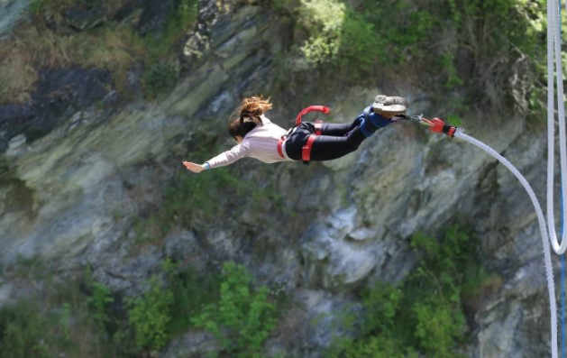 How Safe is Bungee Jumping