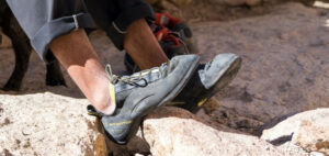How to shrink climbing shoes