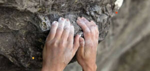 Can you climb with long fingernails