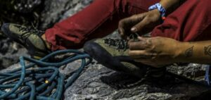How tight should rock climbing shoes
